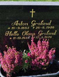 Anton og Helle Olava Groland, Gravminne